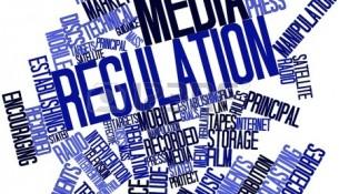 17399054-nube-palabra-abstracta-para-la-regulacion-de-los-medios-de-comunicacion-con-las-etiquetas-y-terminos